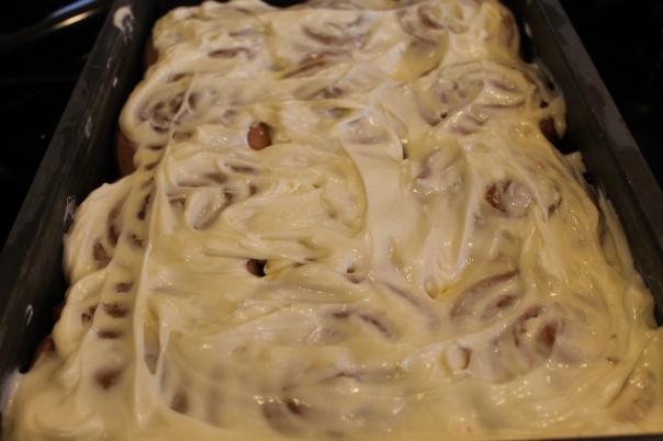 cinnamon rolls 028