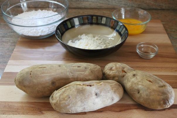 potatoes, flour, egg yolk, parmesan, nutmeg