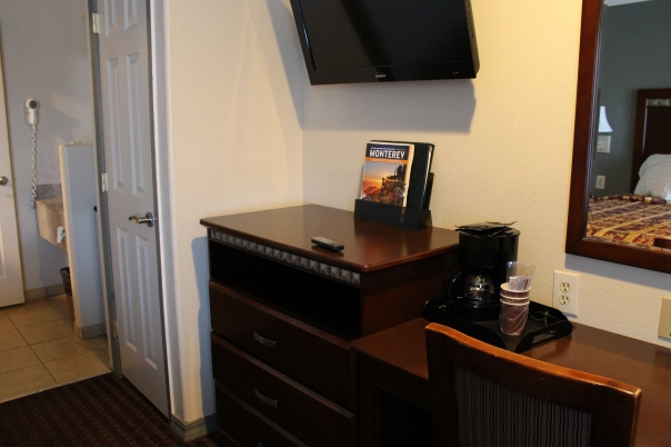 coffee pot, flat screen tv, and fast wireless internet