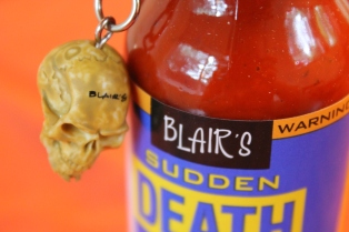 love the skull keychain
