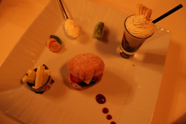 surprise fifth course - fleurburger with banana-flavored milkshake