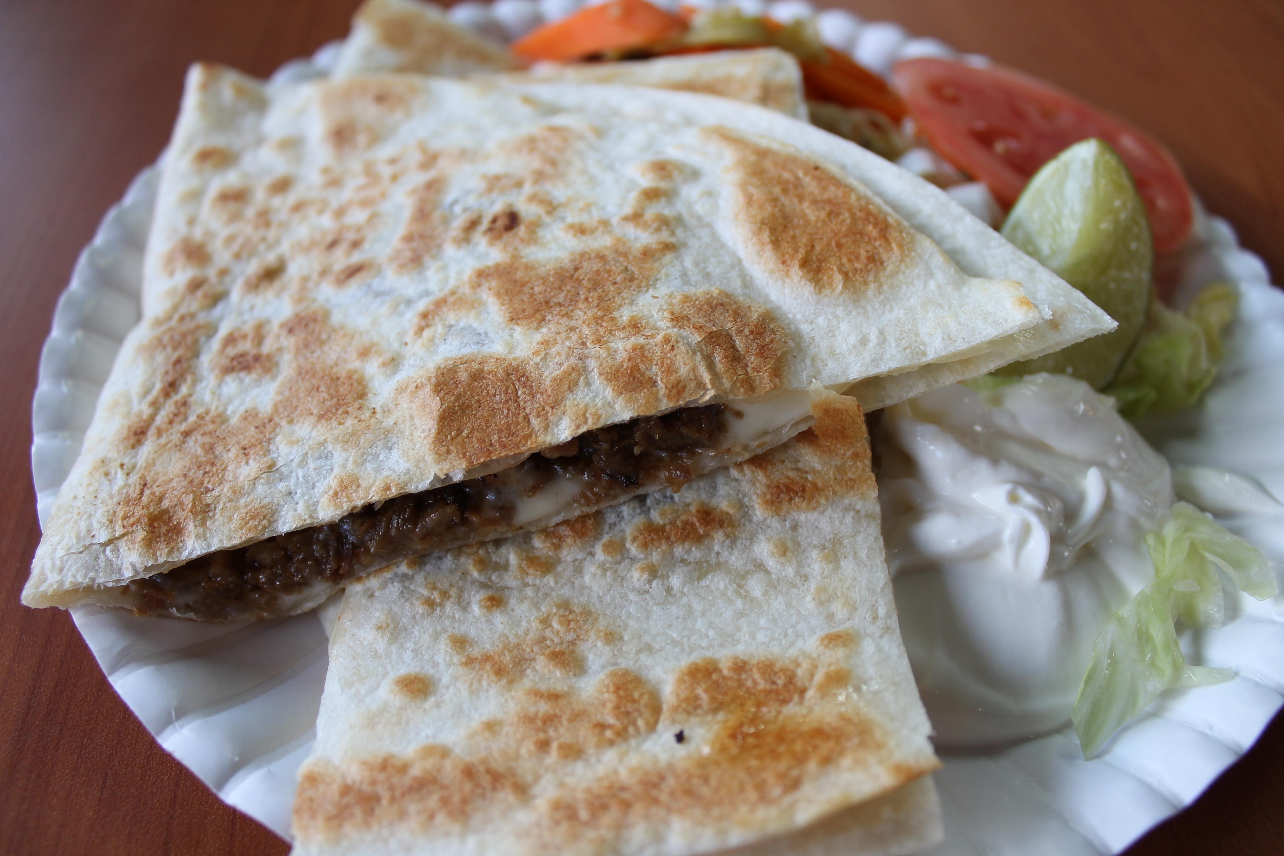 quesadilla de carne asadaQuesadilla De Asada