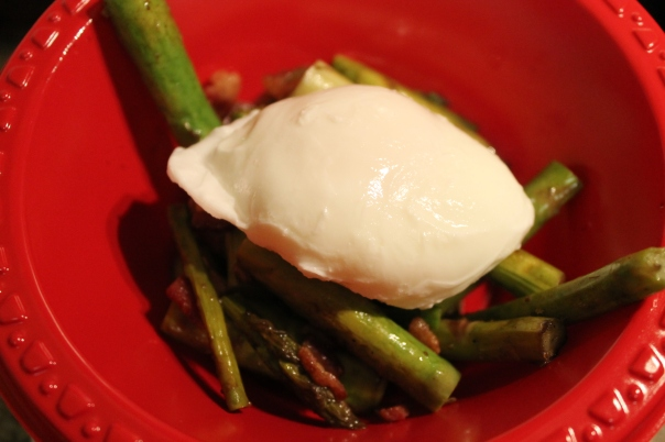 grilled asparagus with bacon and poached egg