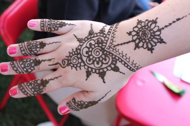 fresh henna application
