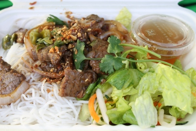 wagyu beef on rice vermicelli